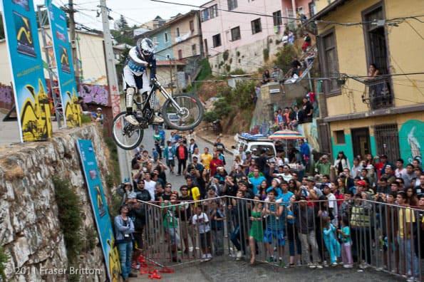 Insane Urban Dh Mountain Bike Race Video Vca 2010 Bike198