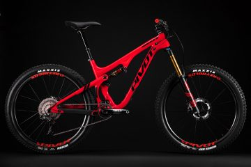 2017 Pivot Cycles Mach 5.5 Carbon Red